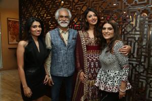 Designer Nikhita Tandon , FDCI President Sunil Sethi, Actress Anushka Ranjan and Designer Reynu Taandon