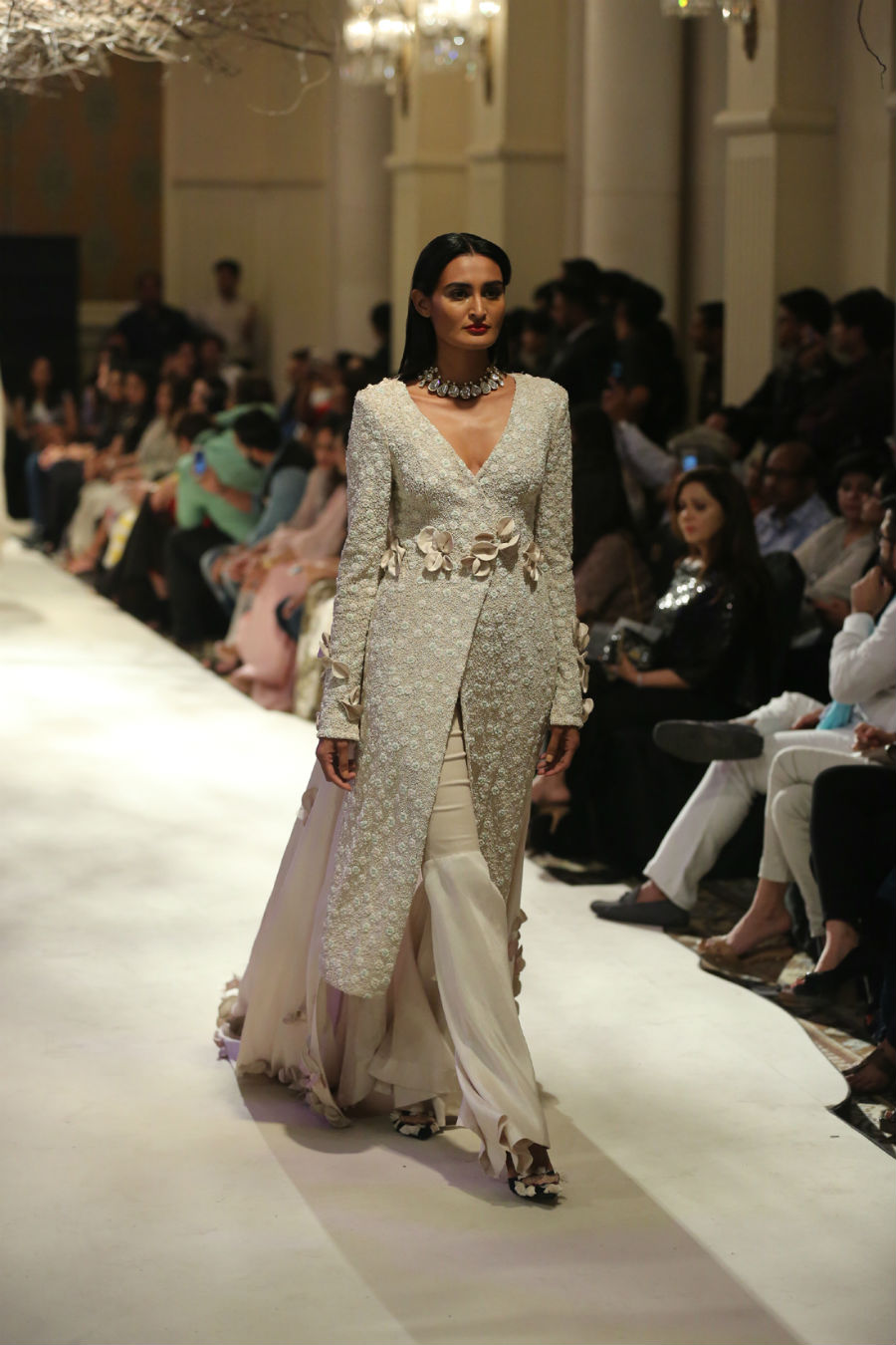 Collection by Designer Anamika Khanna @ FDCI India Couture Week 2016 (2)