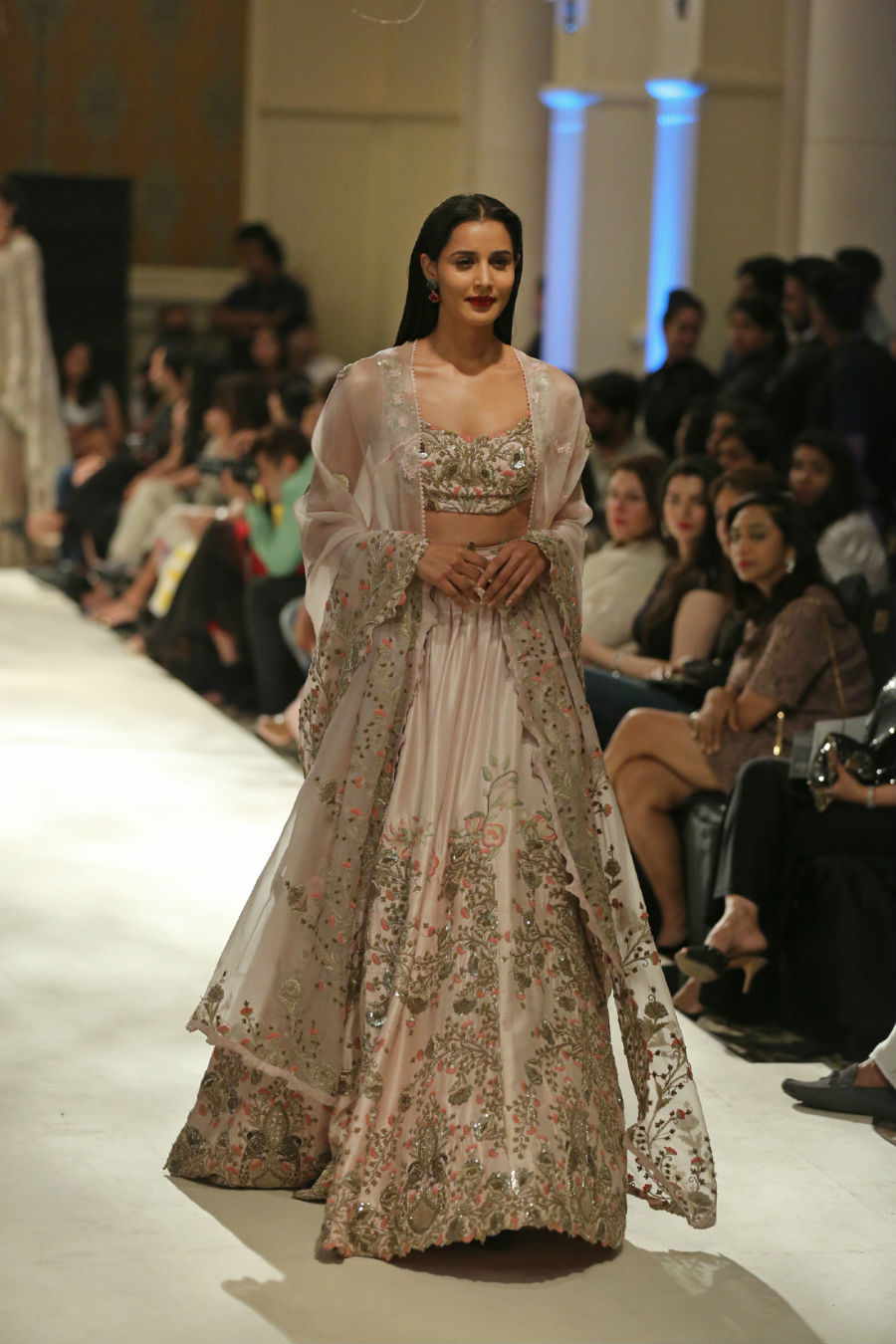 Collection by Designer Anamika Khanna @ FDCI India Couture Week 2016 (3)