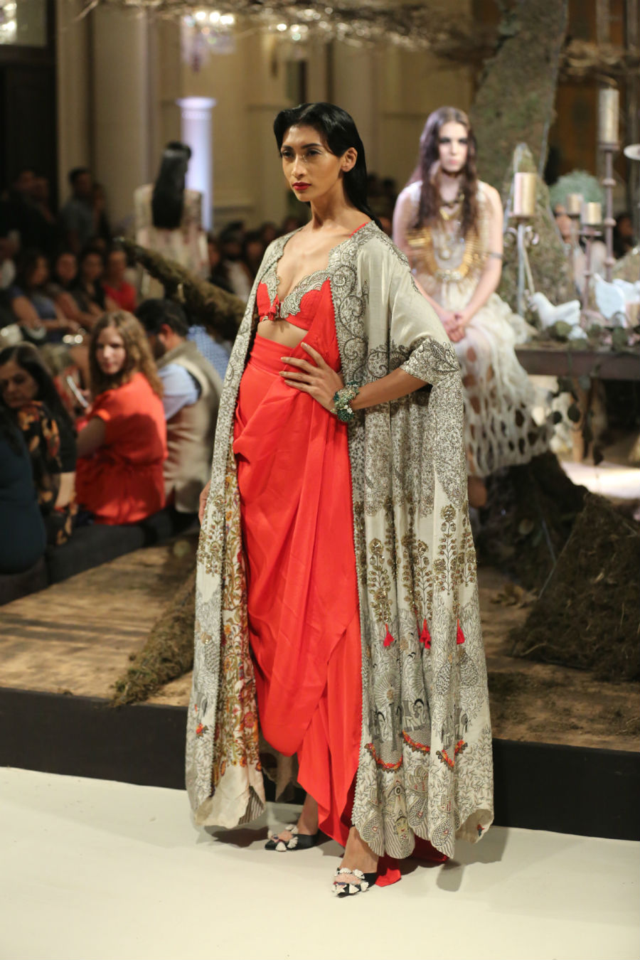 Collection by Designer Anamika Khanna @ FDCI India Couture Week 2016 (6)