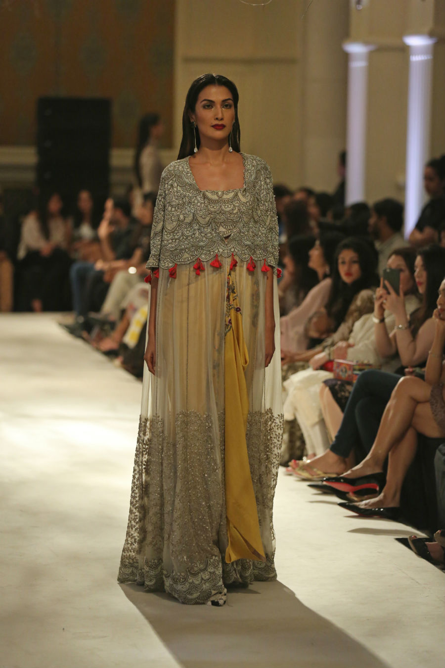 Collection by Designer Anamika Khanna @ FDCI India Couture Week 2016 (7)