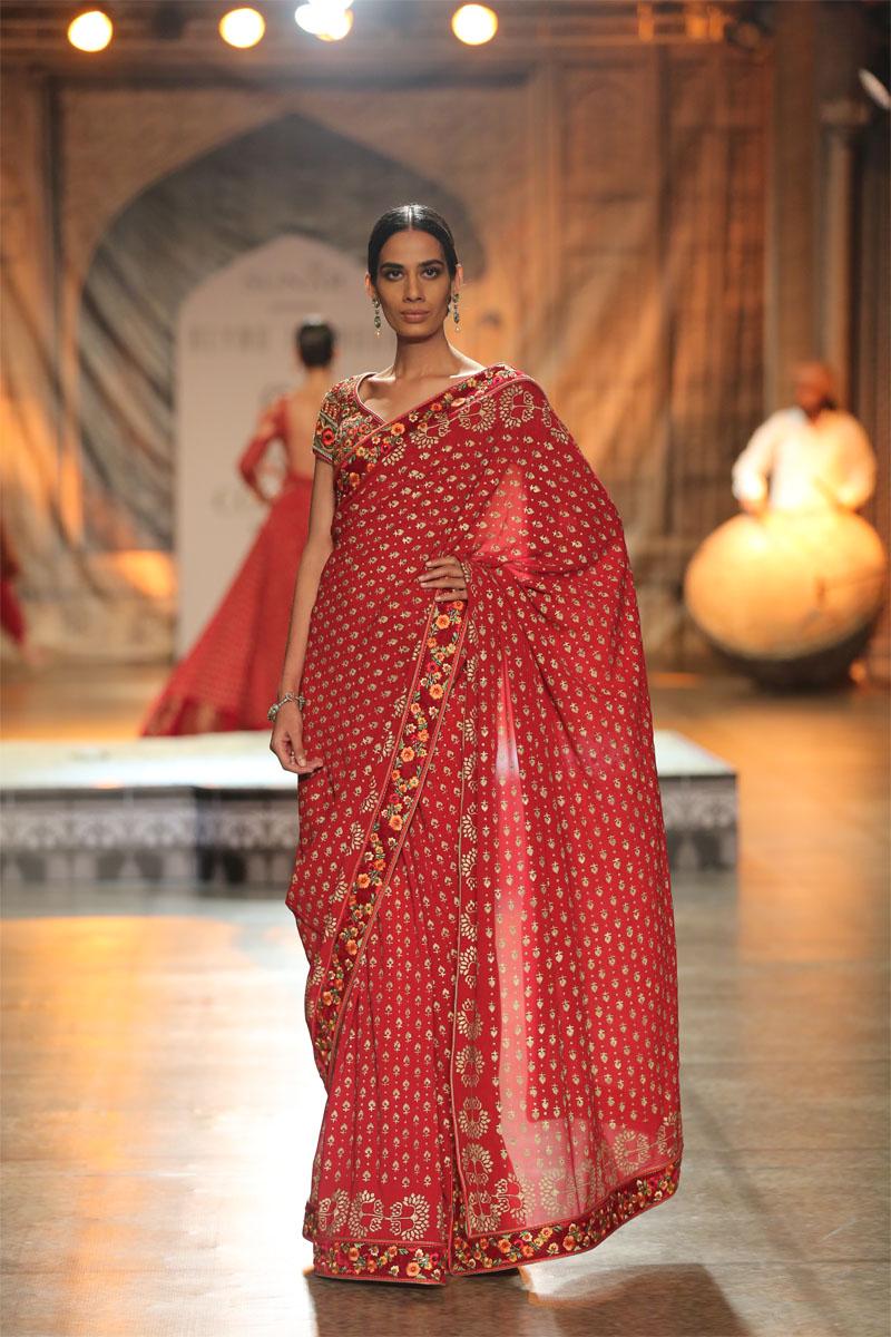 KAMANGIRI By Reynu Taandon @ FDCI India Couture Week 2016 (2)