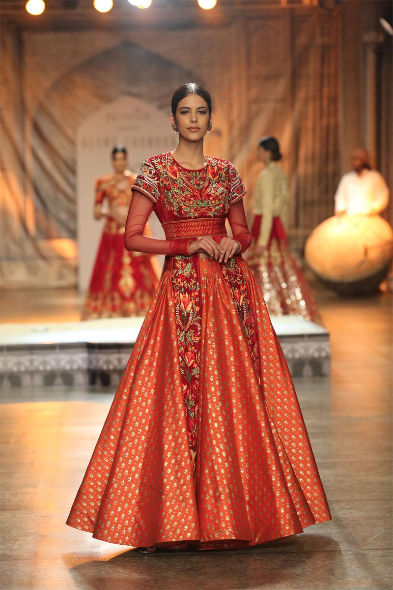 KAMANGIRI By Reynu Taandon @ FDCI India Couture Week 2016 (4)