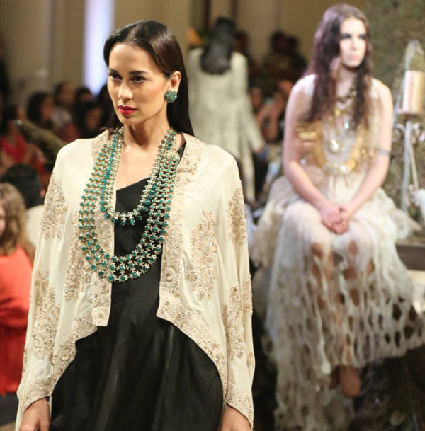 The Time Stood Still For Anamika Khanna Couture!
