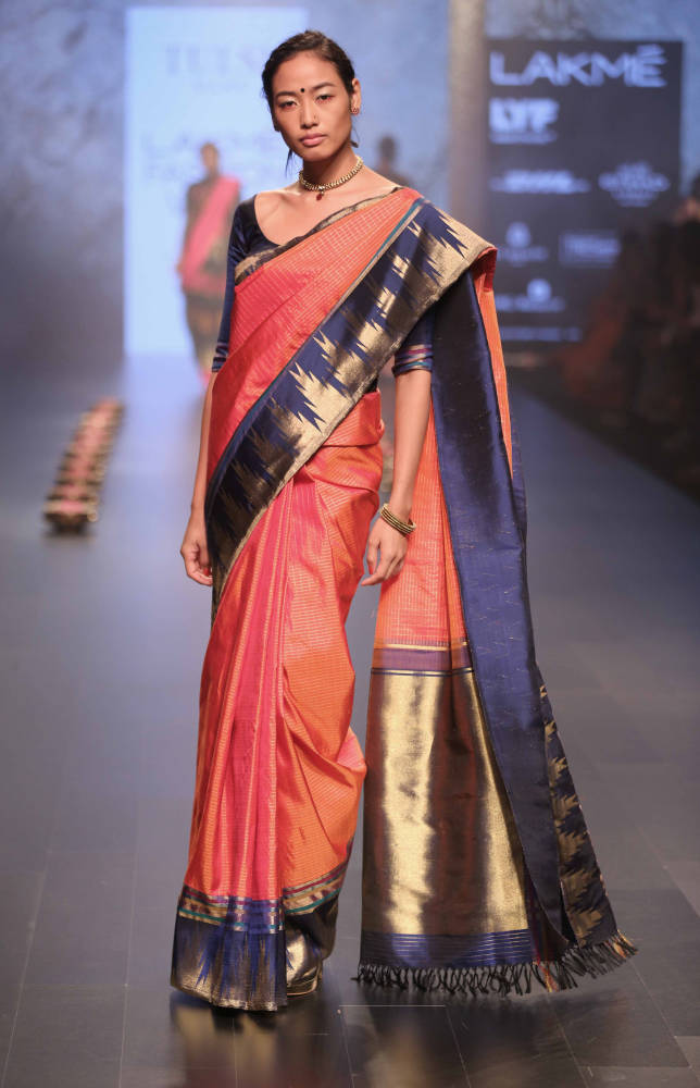 Model walks for Santosh Parekh presented by Tulsi Silks at LFW WF 2016 (6)