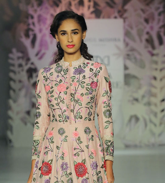 Parizaad by Rahul Mishra – The Poetic Confluence of Yarn, Colours, & Textiles!