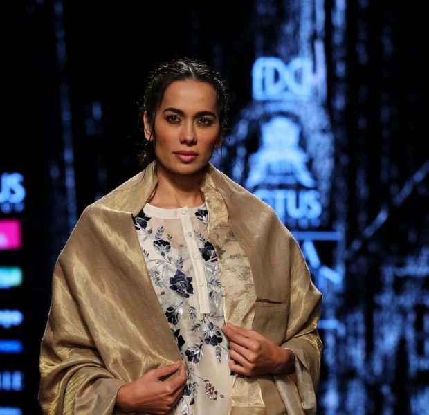 Lotus Makeup India Fashion Week: A Fine Mix of Old and New !